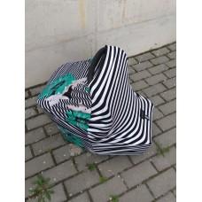 Zebra / Green flower